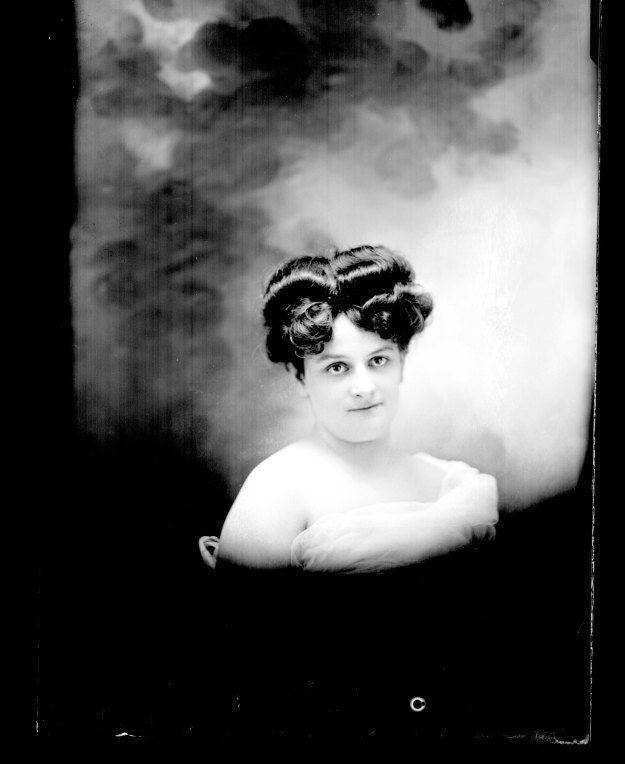 1908ConnieFossMadamAveA[8-P760]